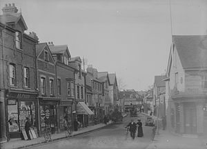 Caversham, Reading - Bridge Street, looking north from Caversham Bridge c. 1905 by Henry Taunt