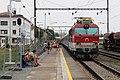 Brno, dolní nádraží, vlak s lokomotivou 350.018 (2013-08-09; 01).jpg
