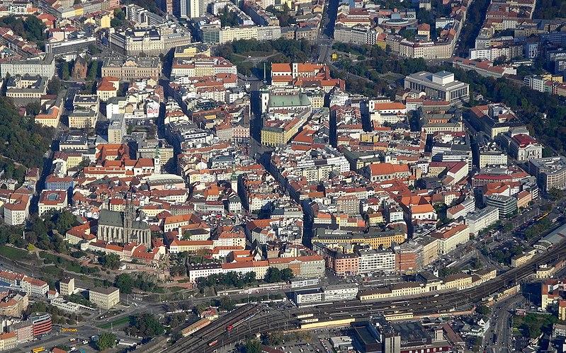 File:Brno - historické jádro.jpg