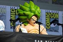 Cosplay di Broly al panel di Dragon Ball Super del San Diego Comic-Con International del 2018.