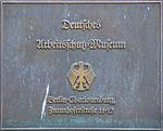 Bronzeschild - Deutsches Arbeitsschutz-Museum.jpg