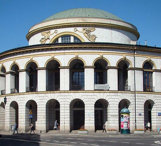 http://upload.wikimedia.org/wikipedia/commons/thumb/0/04/Budynek_Kolekcji_Porczynskich.jpg/528px-Budynek_Kolekcji_Porczynskich.jpg