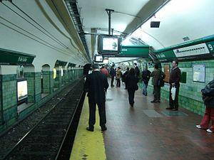 9 de Julio (Line D Buenos Aires Underground) - Image: Buenos Aires Subte 9 de Julio