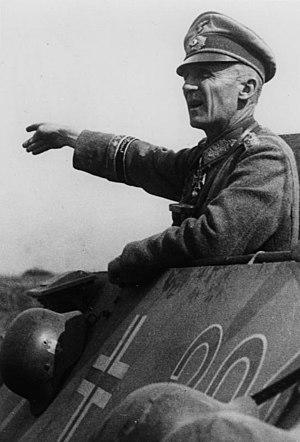 General der Panzertruppe - Image: Bundesarchiv Bild 146 1979 035 19, Hasso von Manteuffel
