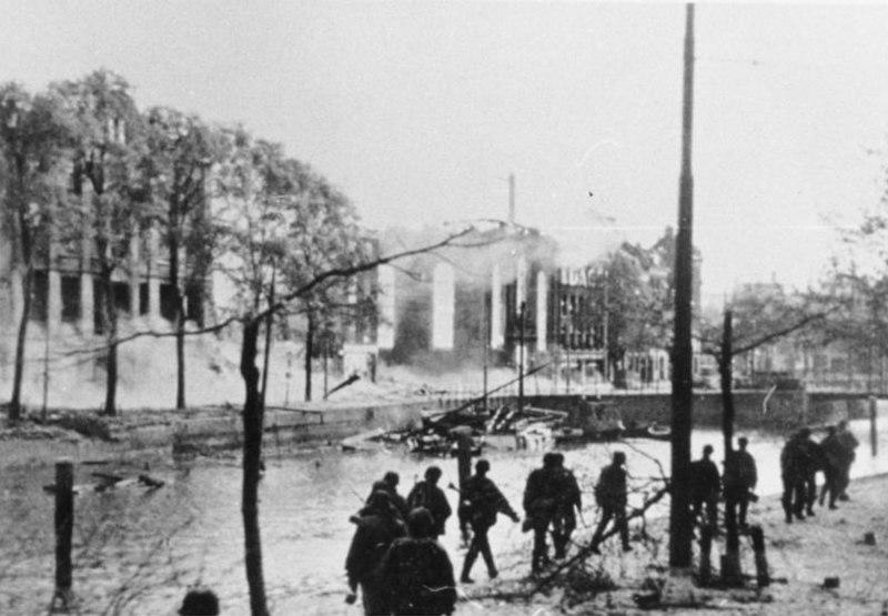 Bundesarchiv Bild 146-1984-021-14, Zerstörtes Rotterdam