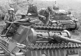 Panzer III - Panzerbefehlswagen (command tank) III ausf E or F in Greece, fitted with a 37 mm gun and two coaxial machine guns (1941).