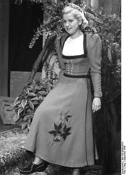 """File:Bundesarchiv Bild 183-09958-0575, Leipziger Herbstmesse, Modell """"Gundel"""".jpg"""