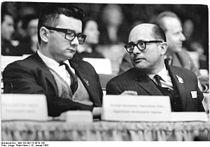 Bundesarchiv Bild 183-B0115-0010-100, Berlin, VI. SED-Parteitag, 1.Tag.jpg