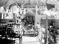 COLLECTIE TROPENMUSEUM Het interieur van een barak TMnr 10002036.jpg