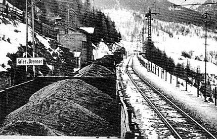 German coal entering Italy through the Brenner Pass. The issue of Italian coal was prominent in diplomatic circles in the spring of 1940. Carbone tedesco per il Brennero.jpg