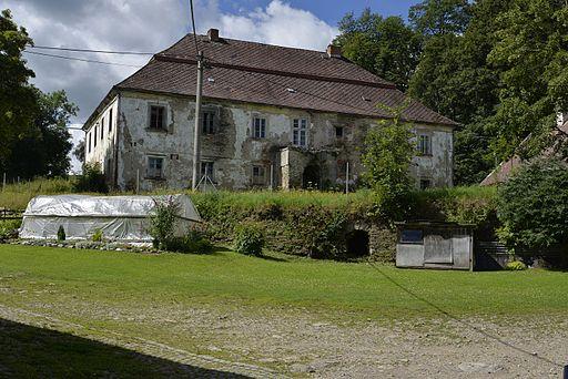 Castle Hlavňovice 03