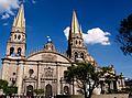 Catedral recibiendo a la Virgen de Zapopan.jpg