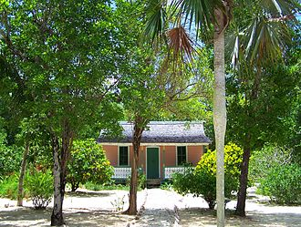 Queen Elizabeth II Botanic Park - Restored early 20th-century Caymanian home and surrounding sand garden at QEII Botanic Park, Grand Cayman