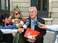 Cayo Lara y prensa.jpg