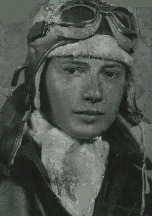 Hispanics in the United States Air Force - 2nd Lt. González, the first USAAF Puerto Rican pilot
