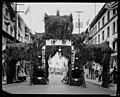 Chinese arch at the Go-Hing carnival, May 1921 (MOHAI 5083).jpg
