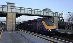 Chippenham - fGWR 43143 Weston-super-Mare service.JPG
