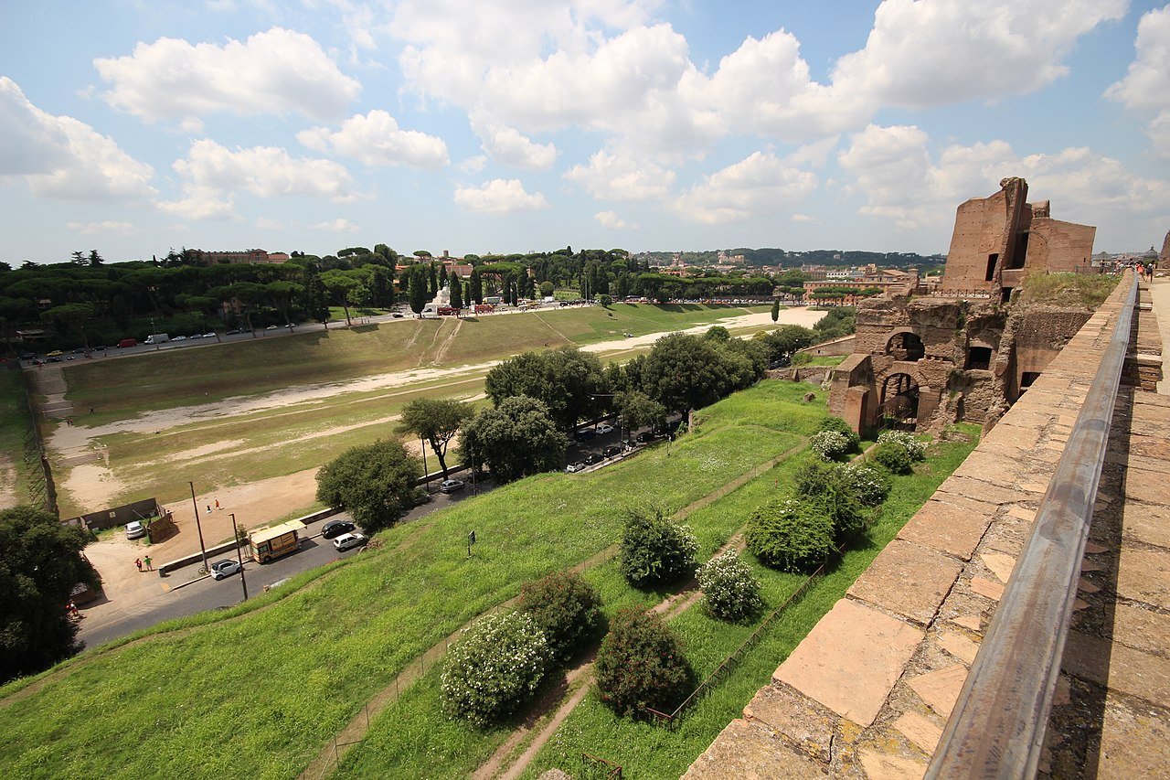 Circus Maximus (15472125828).jpg