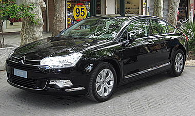 Citroen C5-Sedan-Mk2 Front-view.JPG