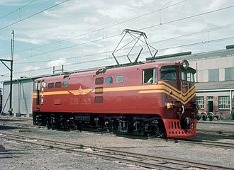 South African Class 5E1, Series 2 - No. E610 at Paardeneiland Depot, 11 April 1970