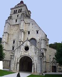 Collégiale Saint-Hippolyte, Poligny, Jura, France.jpg