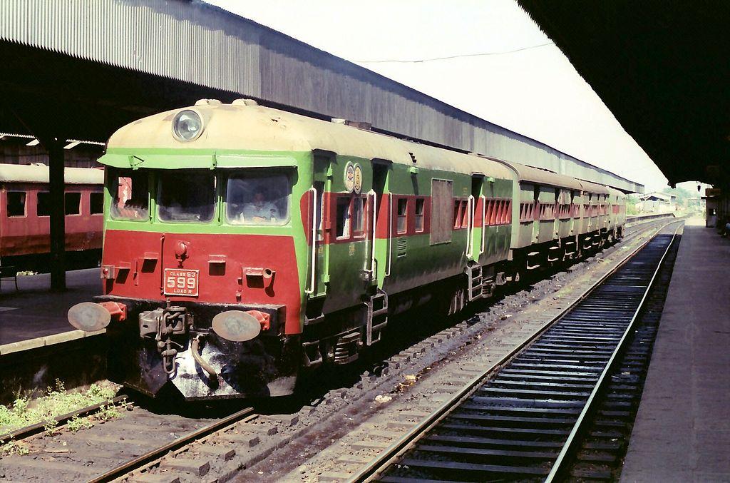 1024px-Colombo_Sri_Lanka_Railway_-_Train