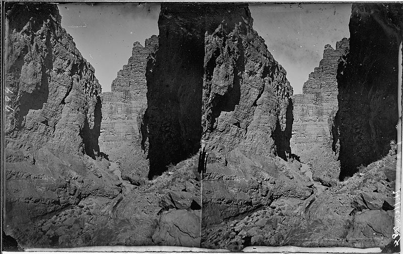 File:Colorado River. Cataract Canyon, side canyon. Old nos. 315, 384, 394, 794. - NARA - 517965.jpg