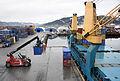 Containeromlasting i Orkanger havn (6947050342).jpg