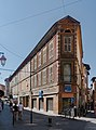 Corner street of St Cecile and St Clair in Albi.jpg