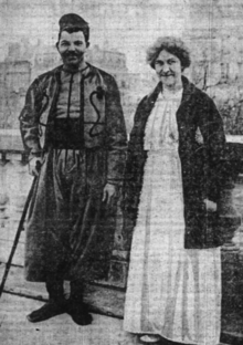 Mary M. Crawford standing next to one of her patients during the First World War