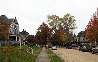 Crafton, Pennsylvania - Image: Creighton Avenue