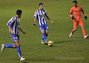 Pedro (footballer, born July 1987) - Pedro defending against Deportivo in January 2015