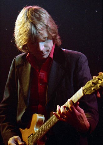 Dave Edmunds - Edmunds in 1980, performing in Toronto