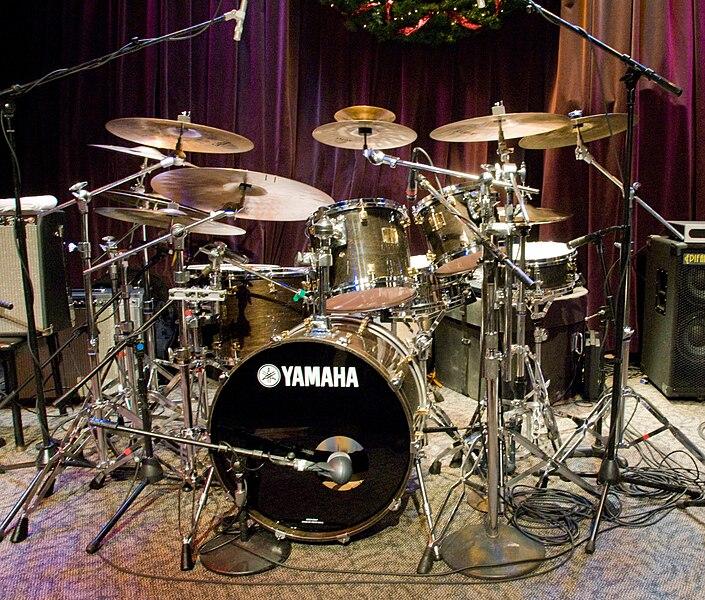 File:Dave Weckl's drum kit @Jazz Alley, 8th Dec. 2007.jpg