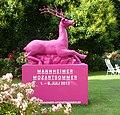 Der rosa Hirsch wirbt für den Mannheimer Mozartsommer. - panoramio.jpg