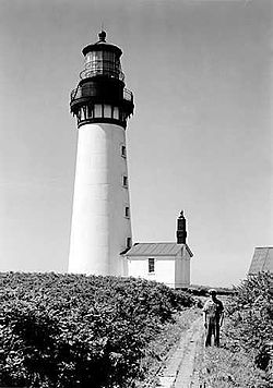 Destruction Island Lighthouse.jpg