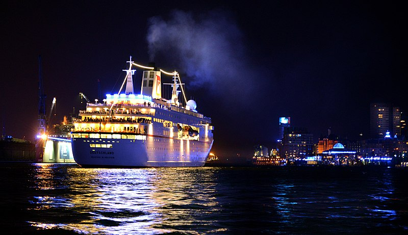 Hamburg cruise ship