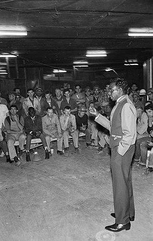 Dexter Daniels (Aboriginal activist) - Dexter Daniels addressing Sydney unionists, October 1966