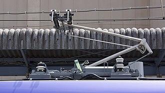 E353 series - Image: E353 series Mo Ha E353 1 pantograph Kami Suwa Station 20150729