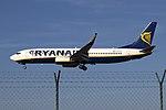 EI-FIG 737 Ryanair OPO.jpg