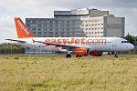 EasyJet, G-EZUP, Airbus A320-214 (31190700951).jpg