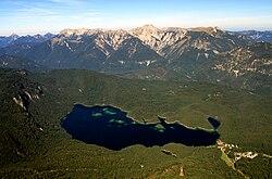 Eibsee und Ammergauer Alpen.jpg