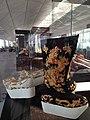 Ekspozicio en la flughaveno en Honkongo 16.jpg