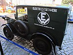 Elektrofahrzeug HAWA EM3, Seitenrückansicht.jpg