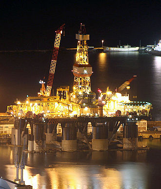 Semi-submersible platform - Saipem Scarabeo 7 semi-submersible drilling rig docked in Cape Town
