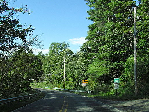 Entering Allamuchy Township, New Jersey, along Alphano Road