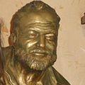 Estatua de Ernest Hemingway en Cuba, La Habana..jpg