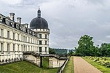 Exterior of the Castle of Valencay 08.jpg