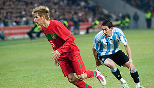 Fábio Coentrão - Coentrão (left) marking Ángel Di María in a friendly match against Argentina on 9 February 2011