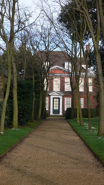File:Fenton House Hampstead front February 2006.jpg